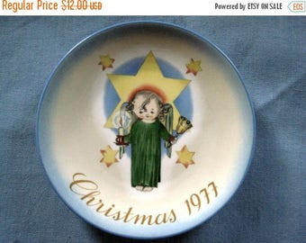 """Christmas In July Sale Vintage """"Herald Angel"""" 1977 Christmas Plate, Sister Berta Hummel, West Germany, Schmid Collection"""