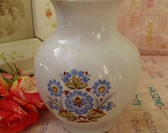 Vintage,Russian Kiev Porcelain Vase with flower pattern,stamped,hand painted