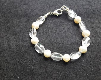 Clear Quartz and freshwater cultured pearl bracelet 7.5""