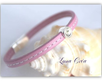 Simple round - pearl bracelet leather pink seam lace Crystal Swarovski crystals and Zamak metal