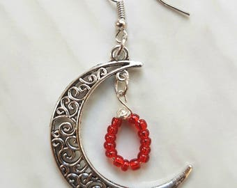 The pirate's moon (single earring)