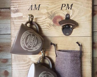 How To Tell The Time Am/Pm Mug Holder & Bottle Opener With Hessian Pouch Catcher