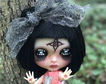 Rue, OOAK Custom Blythe with Slenderman Theme