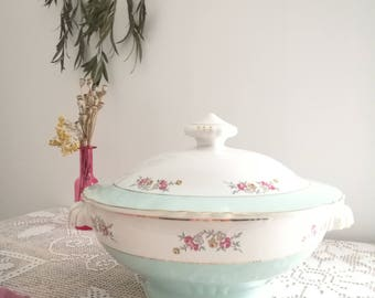 Tureen dish with lid in former(old) earthenware