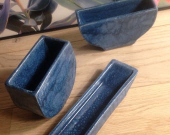 3 blue decorative ceramic pots