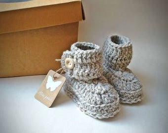 Baby booties, natural sheep wool, crochet baby shoes, sheep wool booties, baby boy boots, baby shower gift, baby girl, baby shower, wool