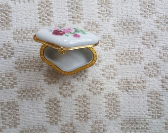 Vintage lozenge white with red flowers porcelain  box / case / coffret in excellent vintage condition