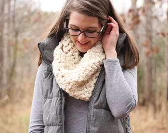 Chunky Cowl // Chunky Knit Cowl // Chunky Knitted Scarf // Winter Infinity Cowl // Knit Oversized Cowl // Made To Order