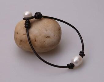 Single Real Pearl Leather Bracelet,Trendy Choker Design Jewelry,One white freshwater pearls Bracelets on genuine leather,Beaded Bangle women