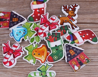 10 wooden Christmas buttons - 2 holes wood Christmas buttons