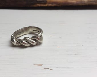 Men's Silver Knotted Ring