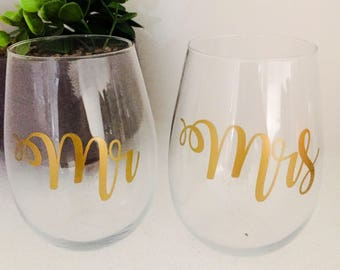 Personalised Stemless Wine Glasses / Mr & Mrs - Wedding Glasses/ Wedding Present / Engagement Gift / Toasting Glasses / Wedding Gift
