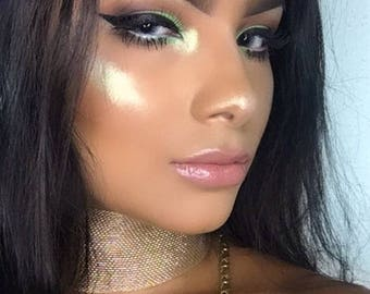 Eclipse Gold Green Highlighter, Duochrome, Iridescent Diamond Highlighter, Loose Highlighter, Powder Highlighter, Pigmented Highlighter