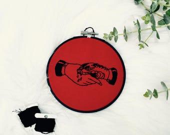 Handshake Embroidery - Snake Bite 5 Inch Hoop Art