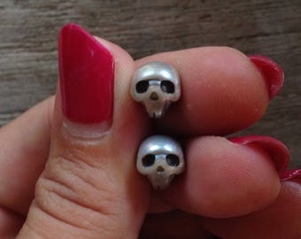 10mm Carved Natural Silver / Gray Freshwater Pearl Skulls Bead Beads Gemstone Pearls Skull Stone Momento Mori Charm grey
