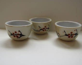 3 Oriental Small bowls