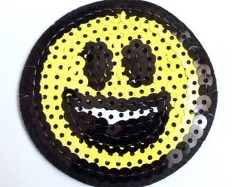 Applique sequins smiley fusible fabric iron 62mm