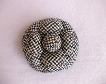 Camellia Brooch, Flower brooch, Fabric flower brooch, Black and White Flower, Camelia, Handmade Camelia, Chanel style, Wool Camellia