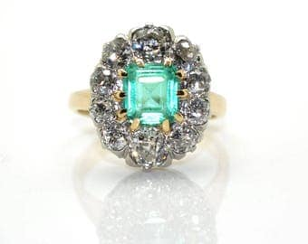 Old Daisy Emerald gold, Platinum and diamonds size antique ring