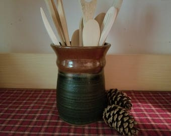 Matte green and iron red pottery utensil holder,  pottery utensil holder,  utensil holder,  ceramic utensil holder,  pottery vase