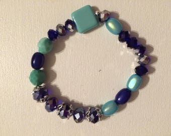 Puck square blue glass bracelet Navy faceted beads