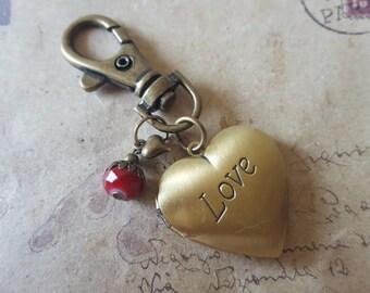 Medallion Keychain ~ love ~