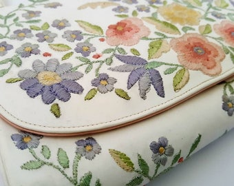 1960's - 1970's White Handbag with Embroidered Pastel Flowers by Marheta of Rio de Janeiro
