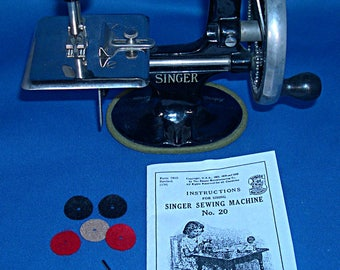 Vintage Toy Sewing Machine Needles, Instructions and Spool Felts - Singer Model 20 - Oval Base
