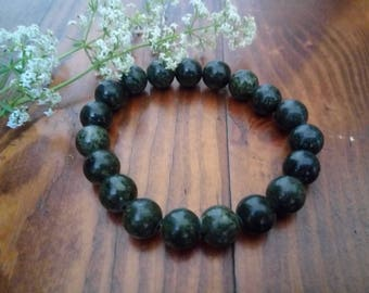 bracelet of Serpentine stone, wristband, Beads of stone, Stone compact,