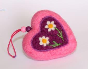 Needle Felted Heart, Daisy, Lavender Flavored, Handmade Heart Ornament, Valentine's Gift, Valentine's decor, Original Art, Home Decor