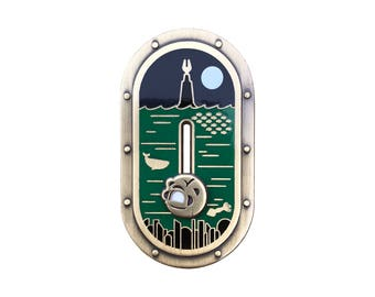 Bioshock inspired 'Somewhere at Sea' sliding hard enamel lapel pin badge