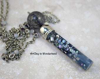 Glittery gray Seabed necklace