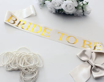 Bride to Be Sash, Bridal sash, Wedding party sash, Bachelorette Party, Bride to be gift, Future mrs sash, Bachelorette, Plus Size, Model L