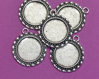 5 x Round Antique Silver Tone Pendant Trays Cabochon Setting - DYI Necklace/Keychain