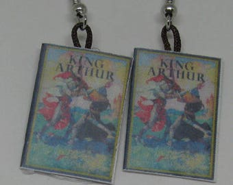 King Arthur Mini Book Earrings E128