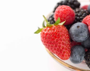 Summer Berries Image for you to put your message on