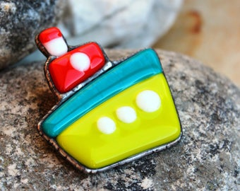 Brooch Steamboat, stained glass brooch.ship brooch,Fused glass brooch, Sea fashion,steamboat pin,ship badge, tiffany.ship pin