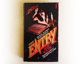Hans Holzer - The Entry - Arrow horror occult vintage paperback book - 1981