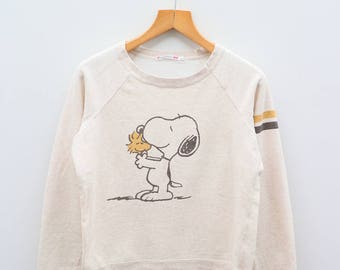 Vintage SNOOPY Is The World Famous Beagle Yellow Sweater Sweatshirt Size L