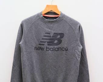 Vintage NEW BALANCE Big Logo Gray Pullover Sweater Sweatshirt Size M