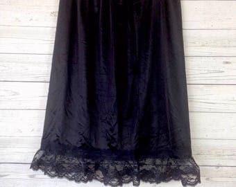 Vintage black half slip nylon Lace sl55