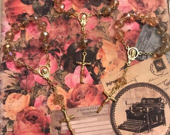 Mini rosary gold & honey