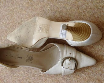 Alia Bene cream Shoes size 37 euro 4 uk