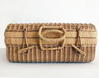 Woven rattan and wicker - Suitcase of rattan and wicker suitcase