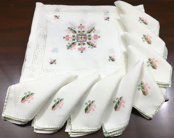 Beautiful Vintage Hand Made Embroidered Linen Tablecloth with 8 matching Napkins Pink & Green