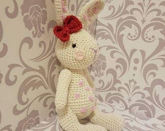 Cute crocheted amigurumi bunny handmade süß gehäkelt hase gift idea geschenk idee