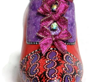 Miniature Vintage Victorian Shoe Style Pin Cushion, (Red/Purple Paints), Embroidery, Sewing, Pin & Needle Accessories, Sewing Gift