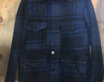 Vintage 1960's Pendleton Hunting Jacket Mens Small 100% Heavy Wool Blue Plaid