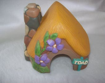 Home and Garden Decor,Toad House,Yard and Garden ,Fairy Garden,Flower Bed