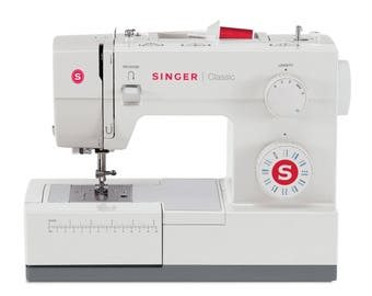 "Singer 44S ""CLASSIC HEAVY DUTY"" 23 Built in Stitches- Refurbished"